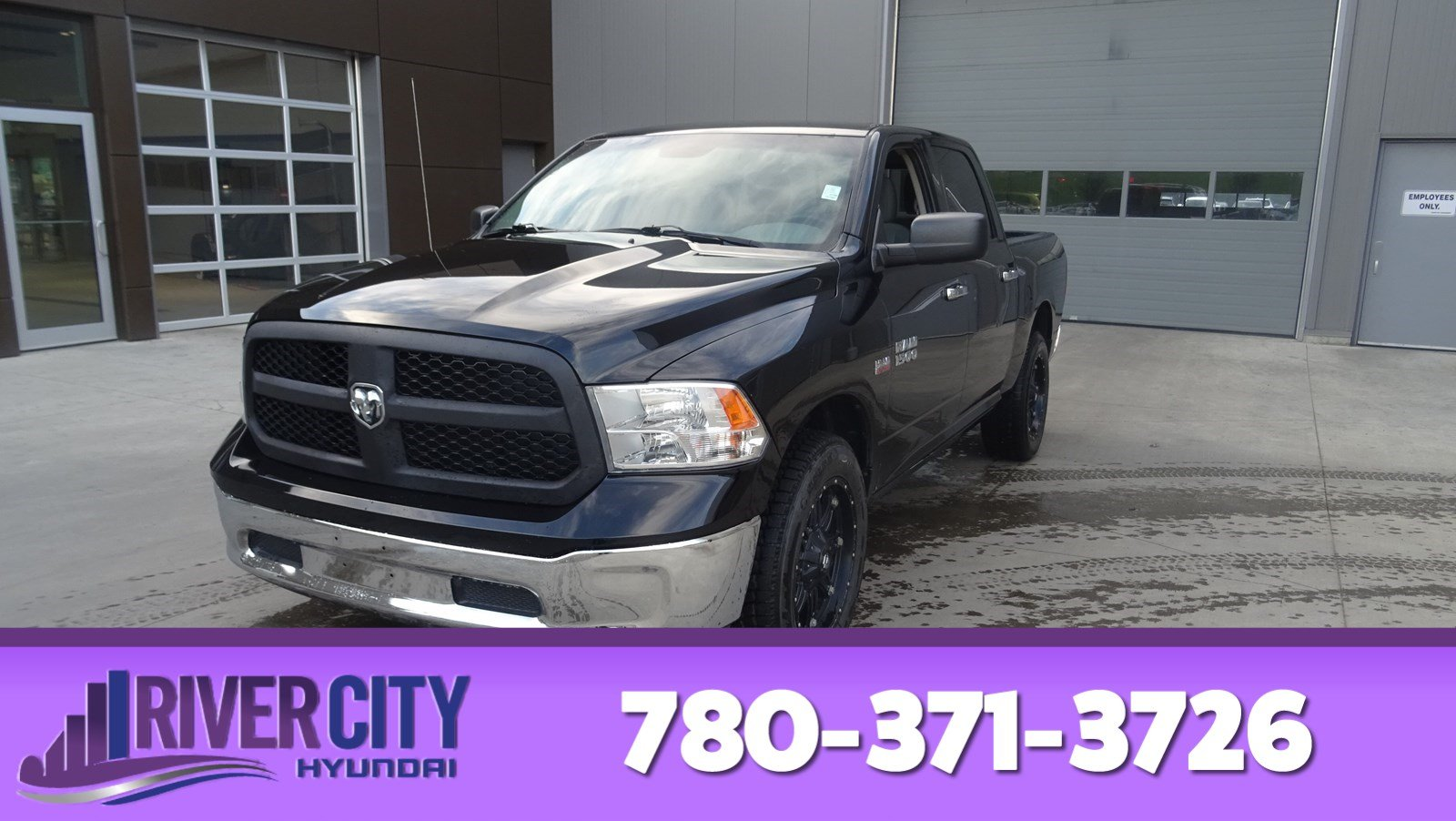 Pre-Owned 2013 Ram 1500 4WD CREWCAB SLT Bluetooth, A/C,