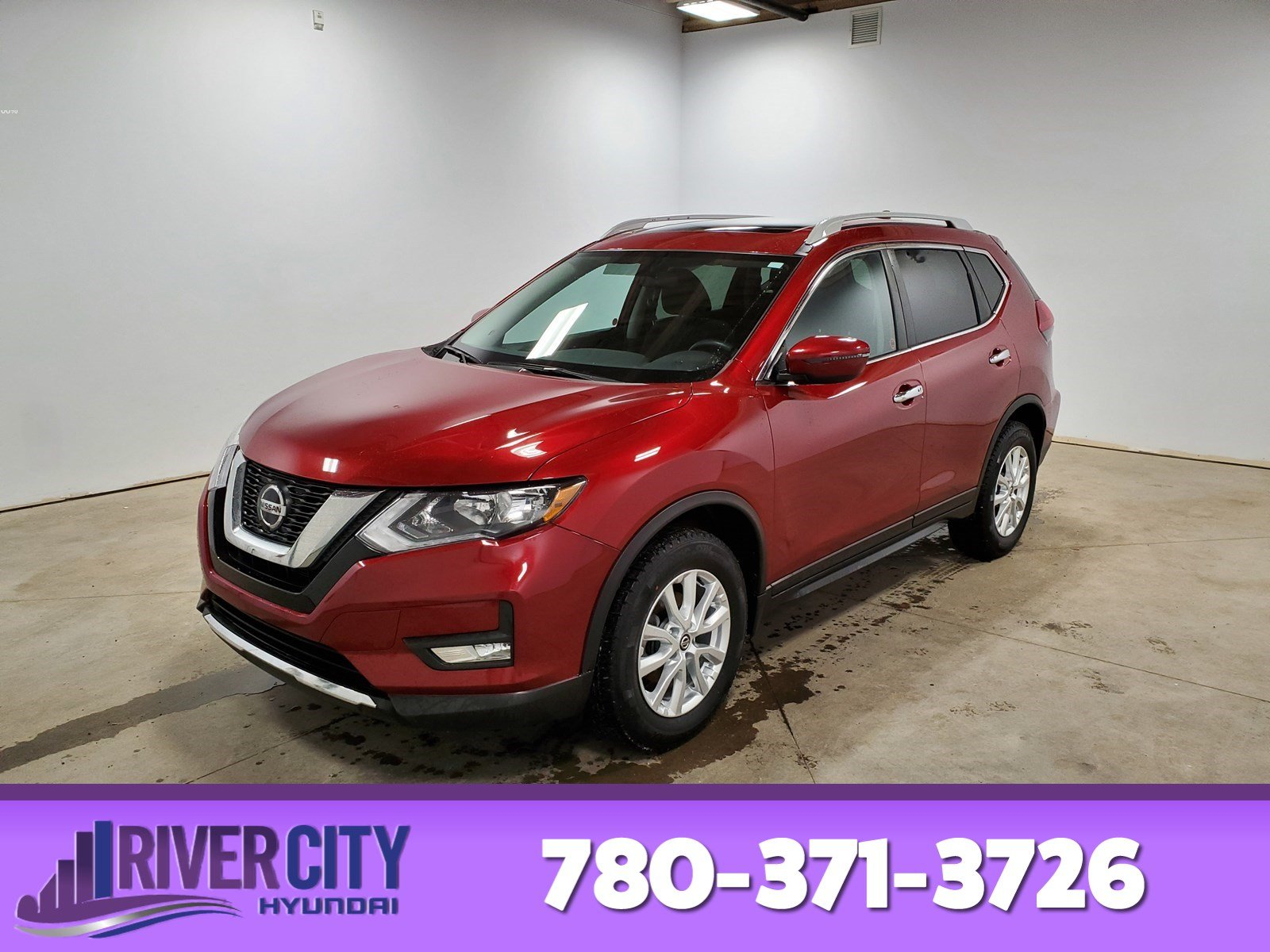 Pre-Owned 2018 Nissan Rogue AWD SV Heated Seats, Panoramic Roof, Back-up Cam, A/C,