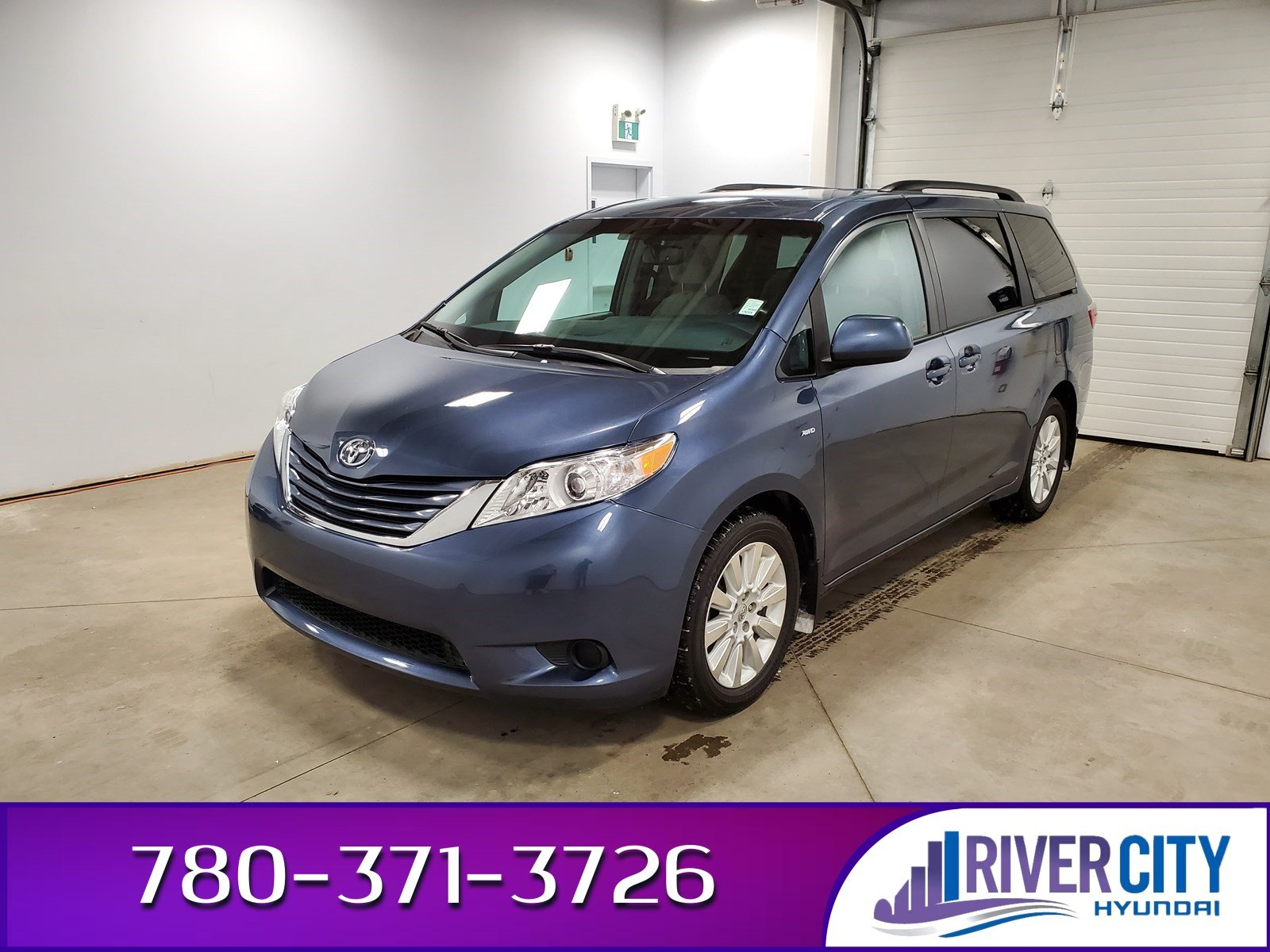 Pre-Owned 2017 Toyota Sienna AWD LE POWER DOORS Heated Seats, Back-up Cam, Bluetooth, A/C,