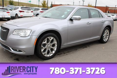 Pre-Owned 2016 Chrysler 300 AWD PLATINUM Leather, Panoramic Roof, Back-up Cam, Bluetooth,